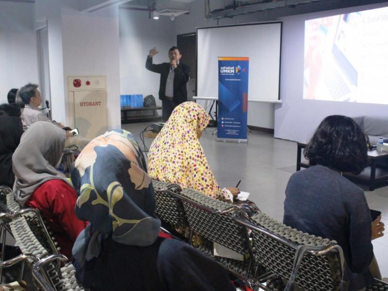 Head of Sales Indotrading.com, Arief Yudistira dalam Kelas Komunitas di Classroom A Jakarta Creative Hub, Grha Niaga Thamrin, Senin, (11/3/2019). Foto: (doc/MNEWS).