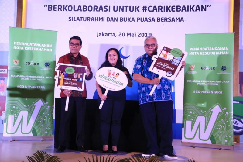 Penandatanganan MoU antara Gojek dan Kemenkop UKM di Jakarta, Senin (20/5/2019). Foto: Kemenkop.