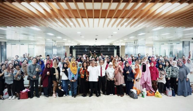 'Pelatihan Digital Marketing Go-Nusantara' kerja sama Kemenkop UKM dan Go-Jek di Gedung Smesco Indonesia, Jakarta, Senin (8/7/2019).