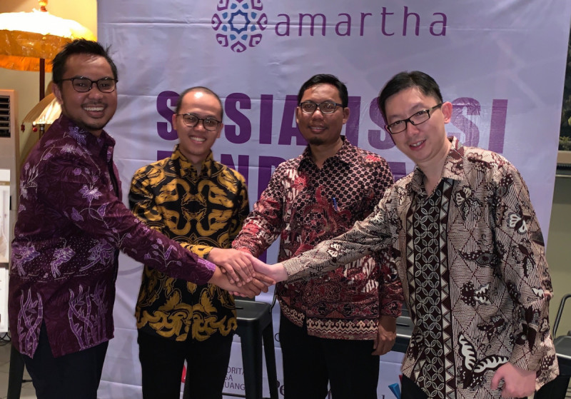 Andi Taufan Garuda Putera (CEO & Founder Amartha)-Aria Widyanto (Chief Risk & Sustainability Officer Amartha)-Munawar Kasan (OJK)-Haryanto Suryonoto (Bank Permata). (Foto: Amartha)