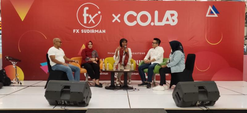 Acara HU.B kolaborasi fX Sudirman x CO.LAB Series di F3 Atrium fX Sudirman, Sabtu (17/8). Foto: (doc/MNEWS)