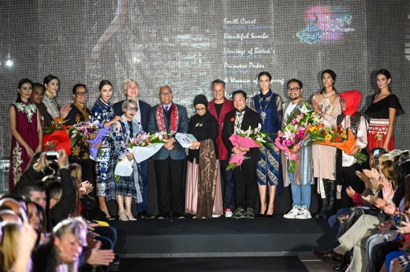 "KBRI Beograd adalah menggelar ""Indonesian Batik Fashion Show"" di Top Hub, Usce Business Center, Beograd, Serbia, pada Jumat (20/09/19). (Foto: KBRI Beograd)"