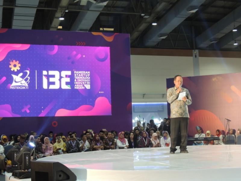 Mohamad Nasir, Menteri Riset, Teknologi, dan Pendidikan Tinggi dalam pembukaan pameran Inovator Inovasi Indonesia Expo (I3E) di JCC Senayan, Kamis (3/10/19).(Foto : Dok Ristekdikti)