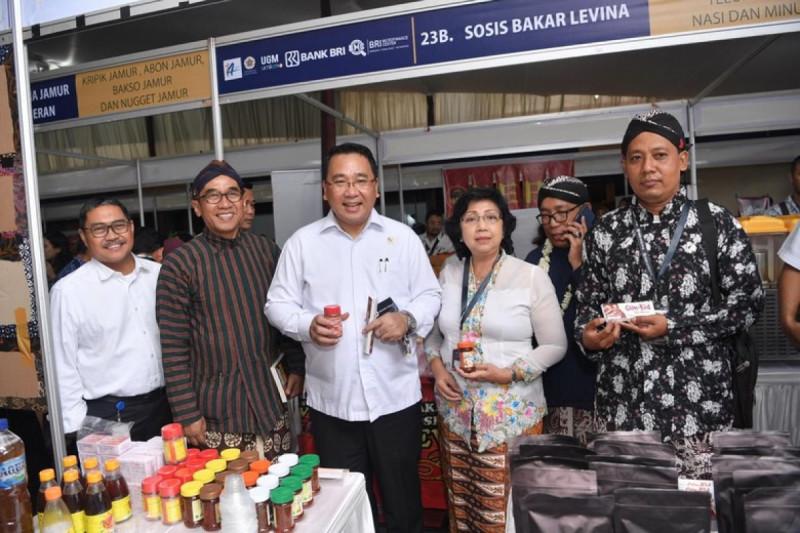 Eko Putro Sandjojo dalam Workshop dan Temu Bisnis Nasional UMKM II, Graha Sabha Pramana UGM, Yogyakarta, Rabu (16/10/19). (Foto: Dok. Kemendes PDTT)