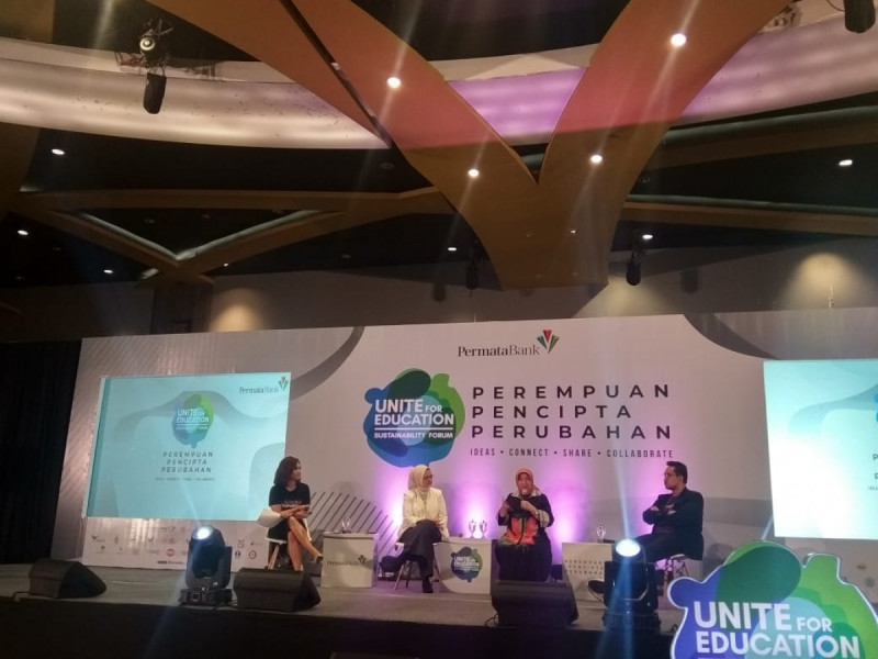 Nurhayati Subakat menjadi narasumber acara Unite For Education (UFE) Sustainability Forum 2019 yang diadakan di Gandaria City Hall, Kamis (7/11/19). (Foto: MNEWS)