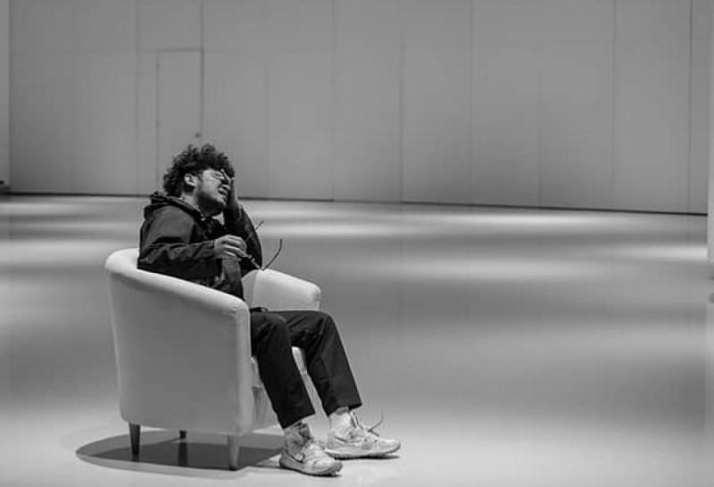 Kunto Aji dalam Video Musik 'Pilu Membiru'. (Foto: Instagram/kuntoajiw)