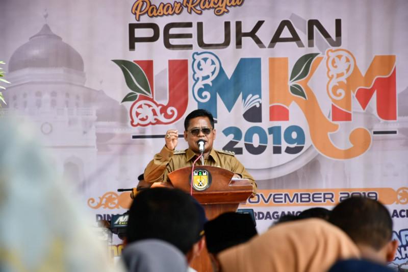 Wali Kota Banda Aceh, Aminullah Usman saat memberikan sambutan pada acara Peukan UMKM 2019, Senin (19/11/19). (Foto: Pemkot Banda Aceh)