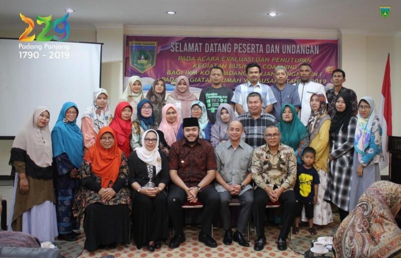 Kerja Sama dengan Sahabat UMKM, IKM Padang Panjang Diharapkan Lebih Berkembang. (Foto: Kominfo)