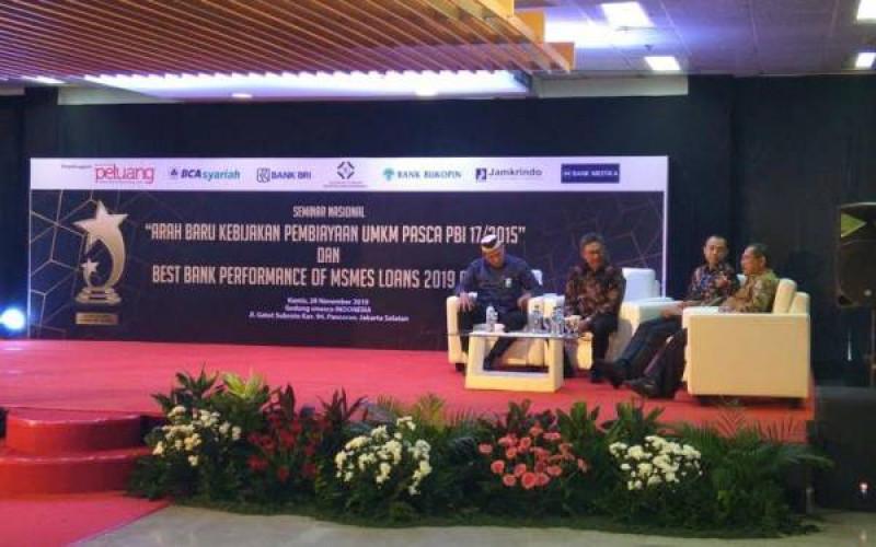 LPDB-KUMKM Kemenkop dan UKM Iman Pribadi dalam Seminar Nasional Arah Pembiayaan UMKM Pasca PBl 17/2015 yang digelar Majalah Peluang di Jakarta, Kamis, (28/11/19).(Foto: LPDB KUMKM)