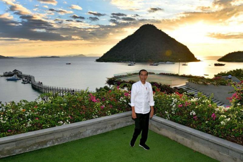 Presiden Joko Widodo saat berkunjung ke Labuan Bajo, Flores, NTT, Rabu (10/7/19). (Foto : Agus Suparto)