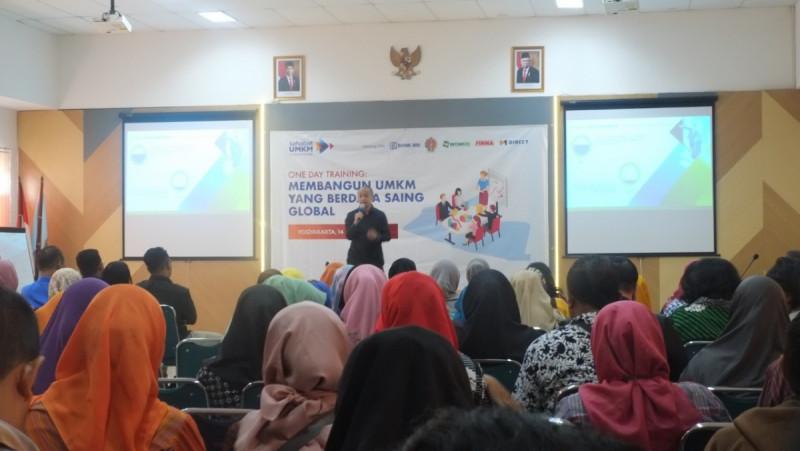 Faisal Hasan Basri, Sekretaris Jenderal Komunitas Sahabat UMKM saat sambutan dalam One Day Training Komunitas Sahabat UMKM di Yogyakarta. Sabtu (14/12/19). (Foto: MNEWS)