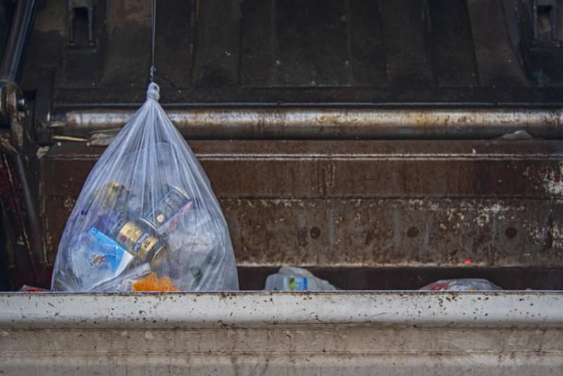 Ilustrasi Penggunaan Kantong Plastik. (Foto: Unsplash/Lucas van Oort)