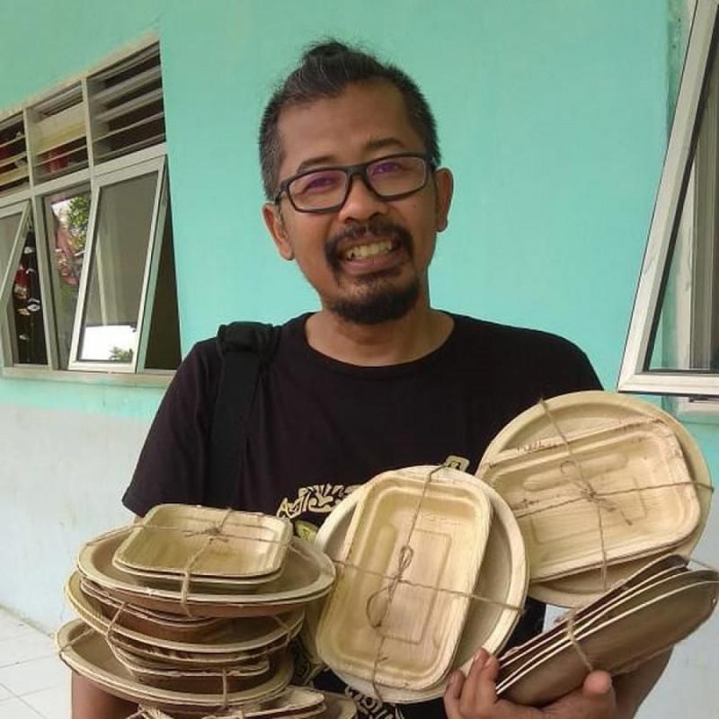 Contoh Produk Piring Dari Pelepah Pinang. (Foto: Detikcom)