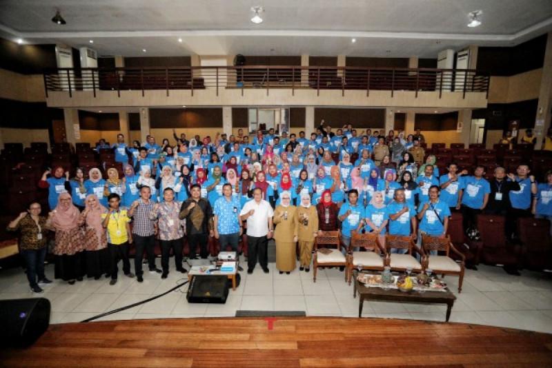 Suasana Pelatihan UMKM oleh Dinas Perdagangan dan Perindustrian (Disdagin) Kota Bandung dan PT Indomarco Prismatama Padepokan Seni Mayang Sunda, Selasa (11/2/20). (Foto: Pemkot Bandung)