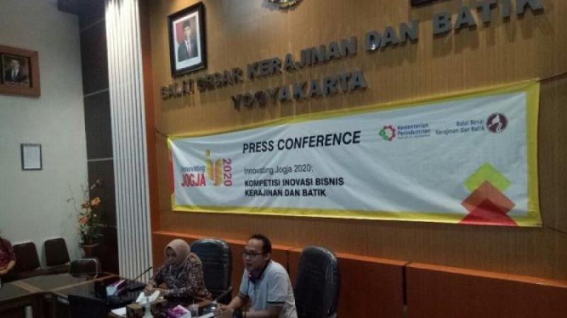 Press Conference Innovating Jogja 2020 oleh Kepala BBKB Yogya Titik Purwati Widowatida, Febriyo Hadikesuma Coaching Partner di Aula Kantor BBKB Yogyakarta, Rabu (12/2/20). (Foto: Istimewa)