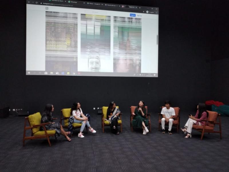 """Festival Jalin Mimpi dalam sesi Entrepreneur Talks """"Sustainable Business with Social Impact"""" bersama ID Volunteer, Travacello, Generasi Muda Perduli, Parakerja, dan Womenpedia. (Foto: MNEWS)"""