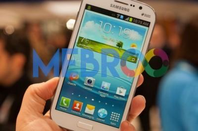 Lihat Handphone Samsung Meledak di Saku Pria ini