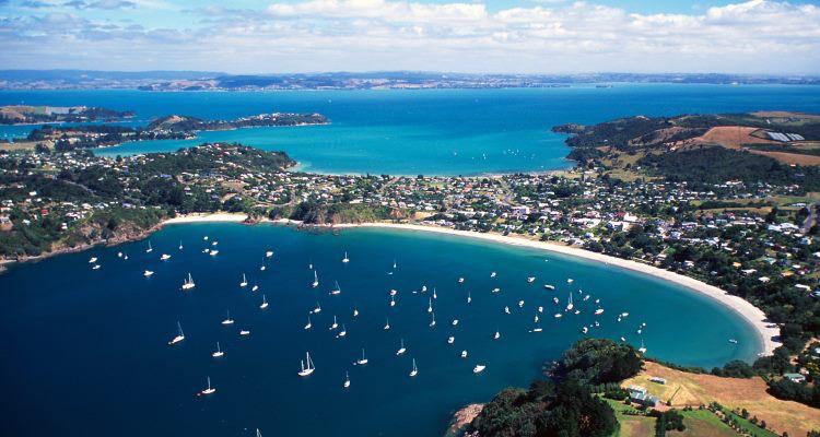 Auckland-Waiheke-Island-Oneroa-Bay.jpg