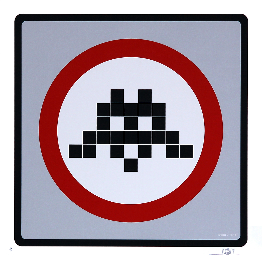 Warning Invader (Silver)