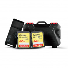 SanDisk 32GB Extreme With Extra SanDisk 32GB Extreme Card, Card Reader & LYNCA KH-10 Card Case