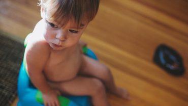 ฝึกลูกนั่งกระโถนเด็ก