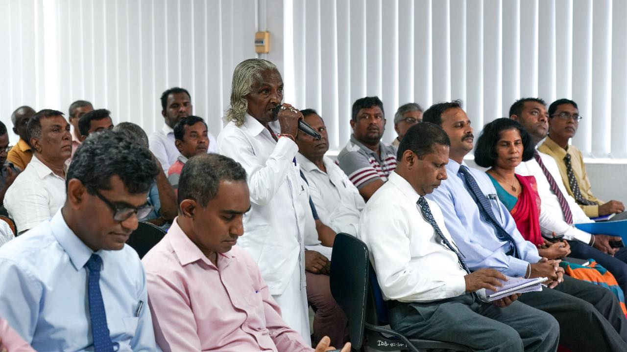 NEDA held a discussion on the problems of carpenters at Moratuw…