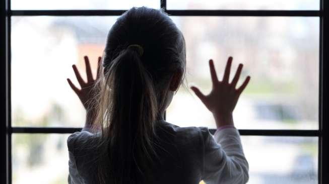 Ilustrasi anak sedih. (Shutterstock)