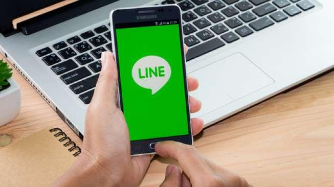 Aplikasi Line pada sebuah telepon seluler pintar (Shutterstock).