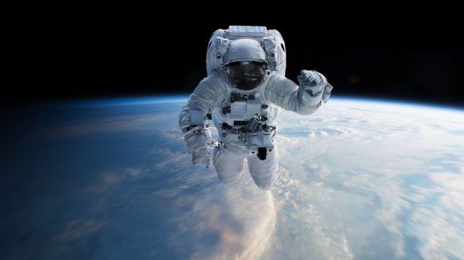 Ilustrasi pakaian astronot [Shutterstock].