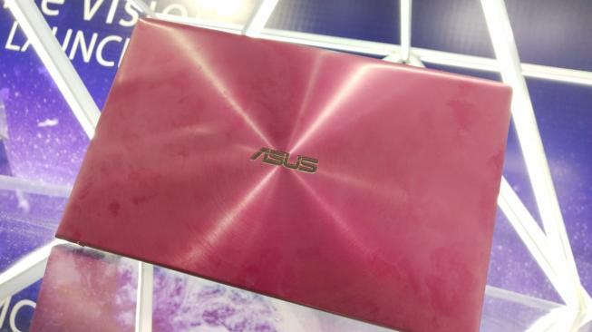 Laptop Asus ZenBook. [Suara.com / Tivan RAHMAT]