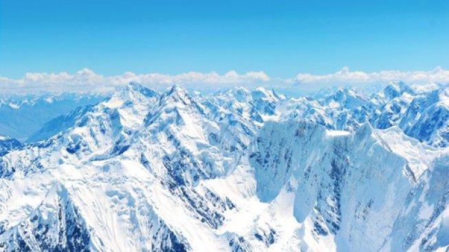 Area pegunungan Everest di Himalaya. [Shutterstock]