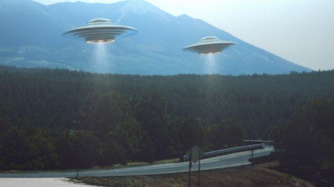 Ilustrasi piring terbang atau UFO. [Shutterstock]