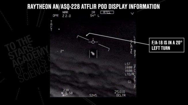 Penjelasan Angkatan Udara Amerika Serikat soal video UFO. [YouTube/@To The Stars Academy of Arts & Science]