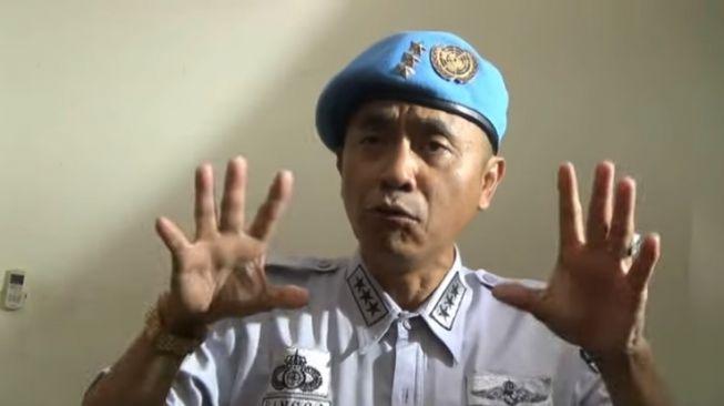 Sunda Empire kembali menggegerkan khalayak, dengan mengunggah video baru berisi pernyataan bombastis pemimpin mereka, Raden Rangga alias HRH Rangga. [Facebook]