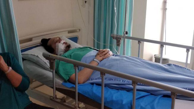 Driver ojol bernama Enrico jadi korban kebrutalan klitih yang terjadi Sabtu (31/1/2020) kemarin di Jalan Kabupaten. [Muhammad Ilham Baktora / SuaraJogja]