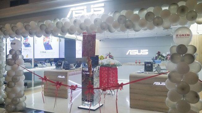 Asus meresmikan ZenBook Store di Ratu Plaza, Jakarta, Jumat (7/2/2020). [Suara.com/Lintang Siltya Utami]