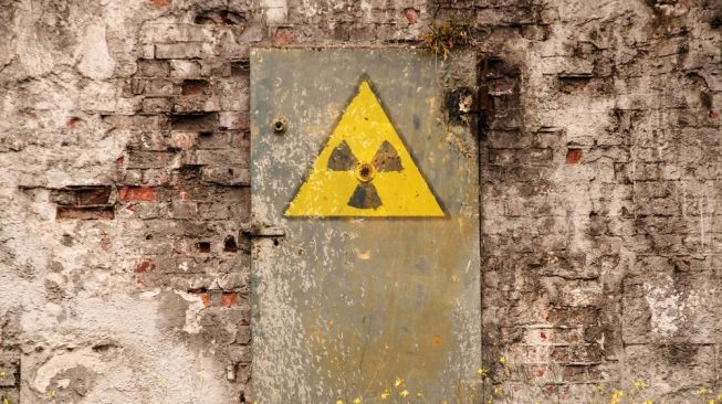 Ilustrasi simbol radiasi. [Shutterstock]