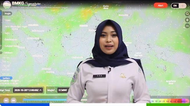 Cuplikan video presenter info cuaca BMKG yang viral di Twitter pada Kamis (22/10/2020). [Twitter/BMKG]