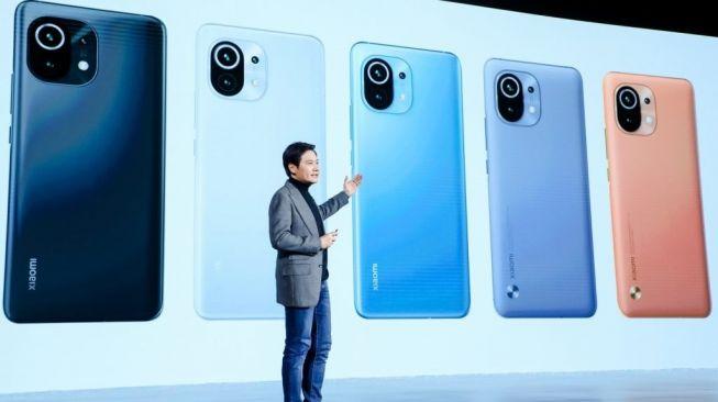 CEO Xiaomi, Lei Jun, memperkenalkan Mi 11 pada Senin (28/12/2020) di Beijing, Tiongkok. [Dok Xiaomi]