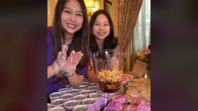 Sisca Kohl borong BTS Meal lalu dijadikan es krim. (TikTok/@siscakohl)