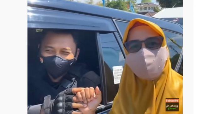 Viral Momen Paspampres Bertemu Orangtuanya di Jalanan saat Bertugas (YouTube)