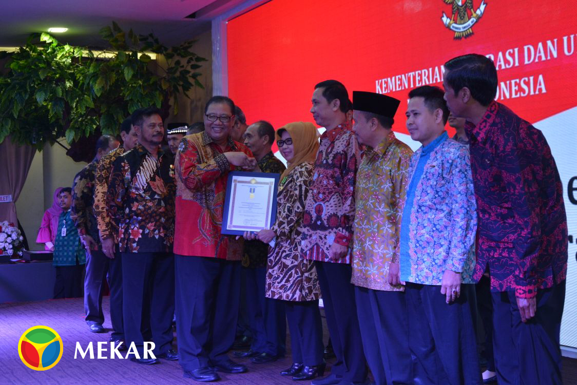 Mekar S Partners At A Glance Abdi Kerta Raharja Wins Award