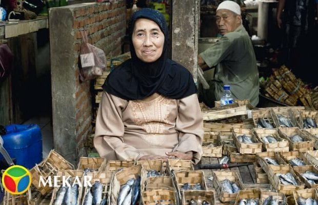 Ibu Ibu Penjual Ikan Asin