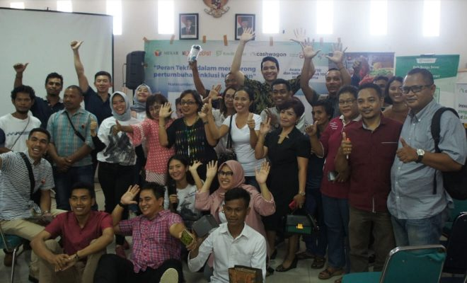 A photo session with all the attendees marks the end of the event in Labuan Bajo