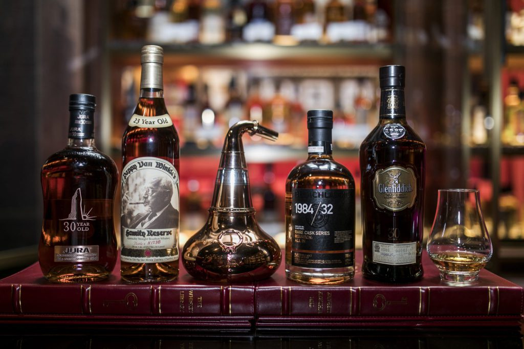 Whisky Bars in Singapore: Where to Drink the Best Whiskies