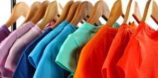 Saat ini banyak metode merapikan pakaian tanpa menyetrika