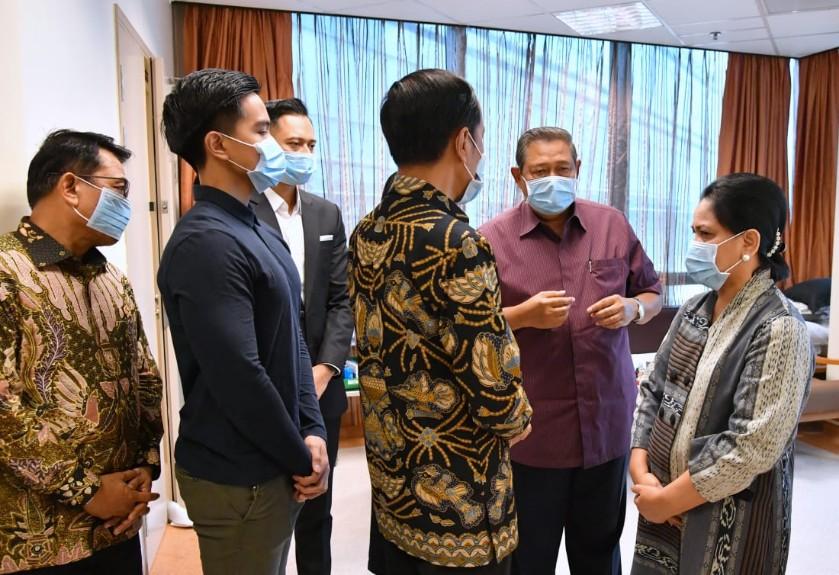 Kaesang-di-kunjungan-Presiden-Jokowi-ke-Ibu-Ani
