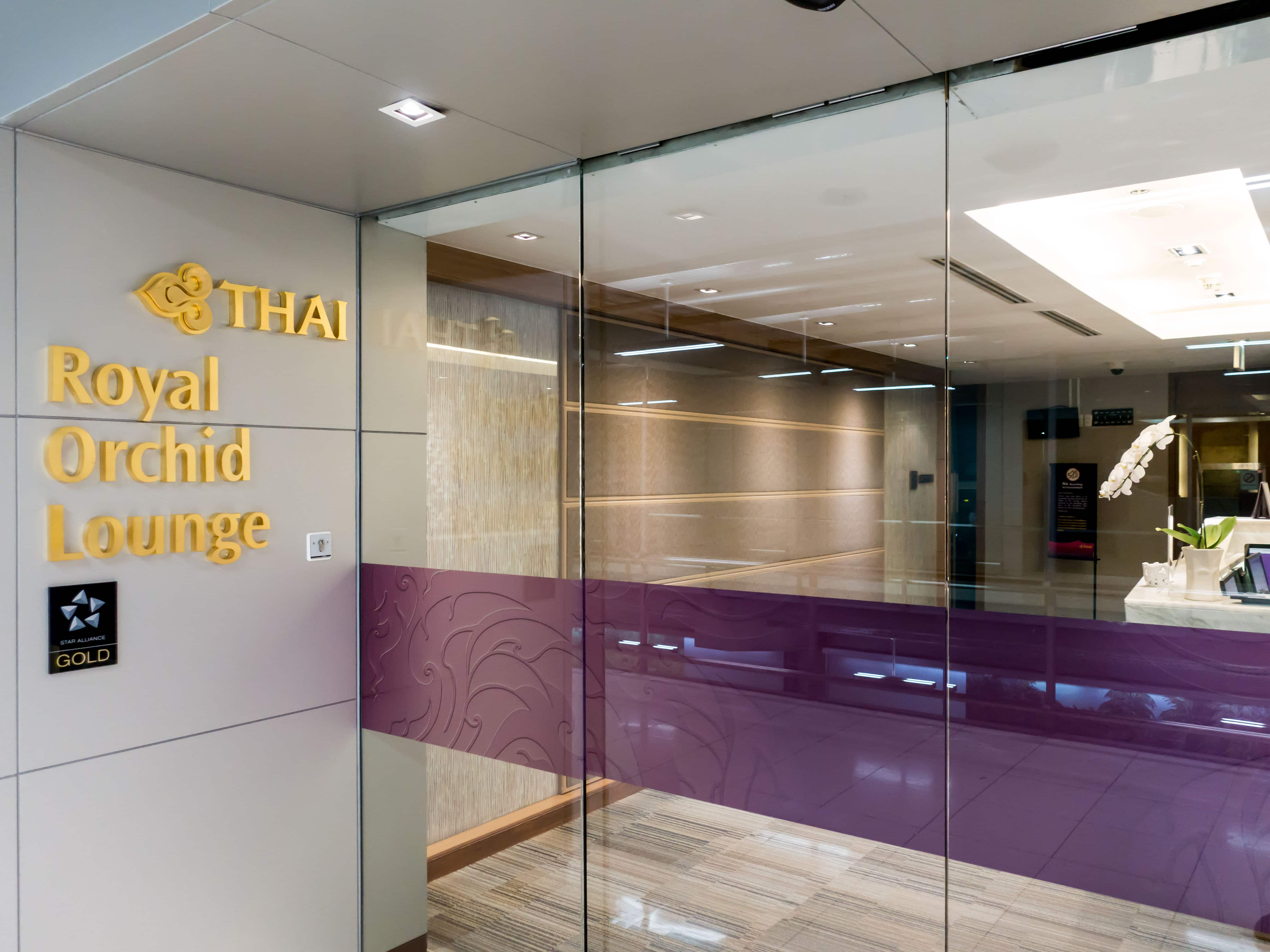 Review: Thai Airways Royal Orchid Lounge Bangkok