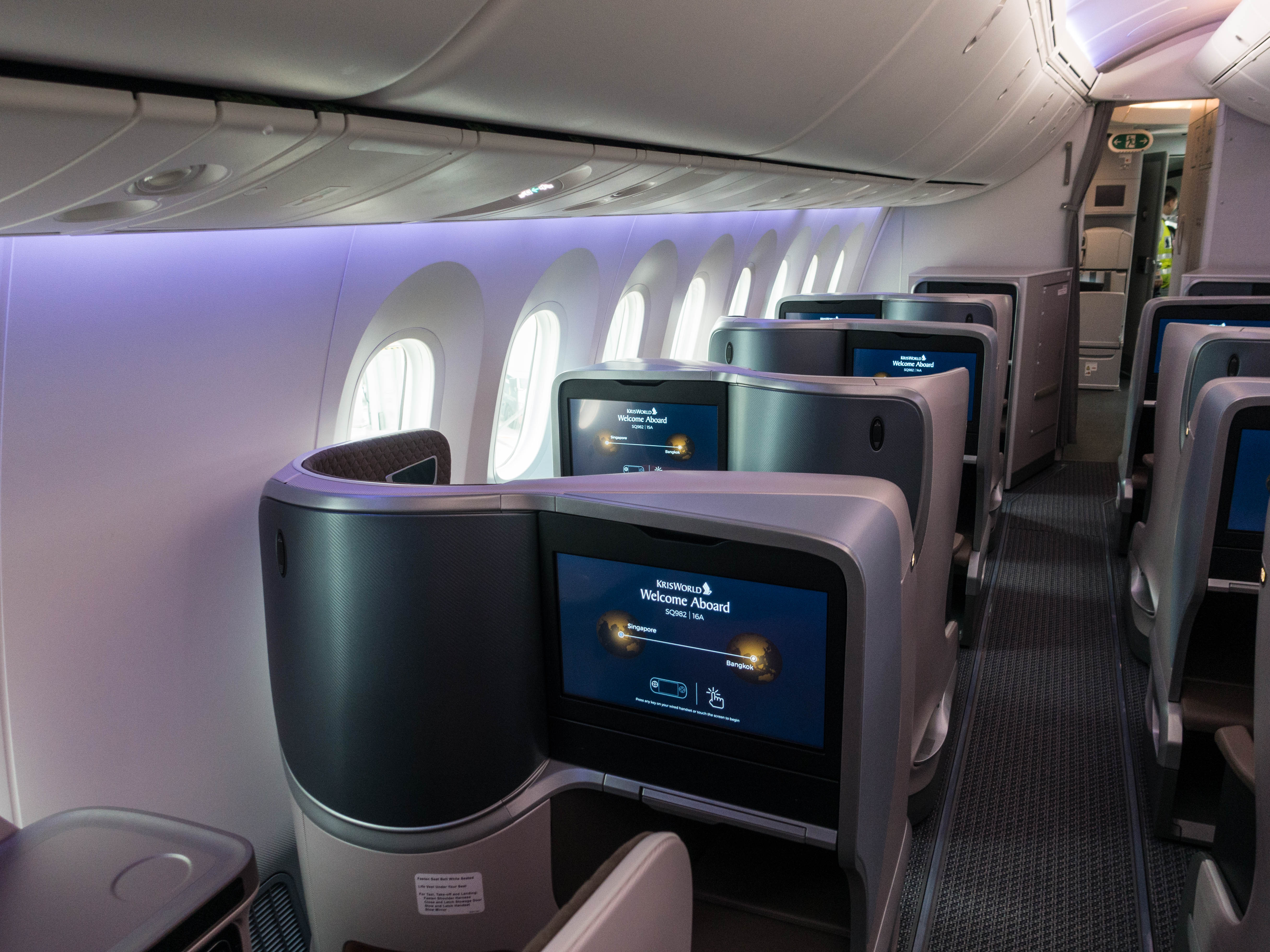 Review: Singapore Airlines B787-10 New Regional Business
