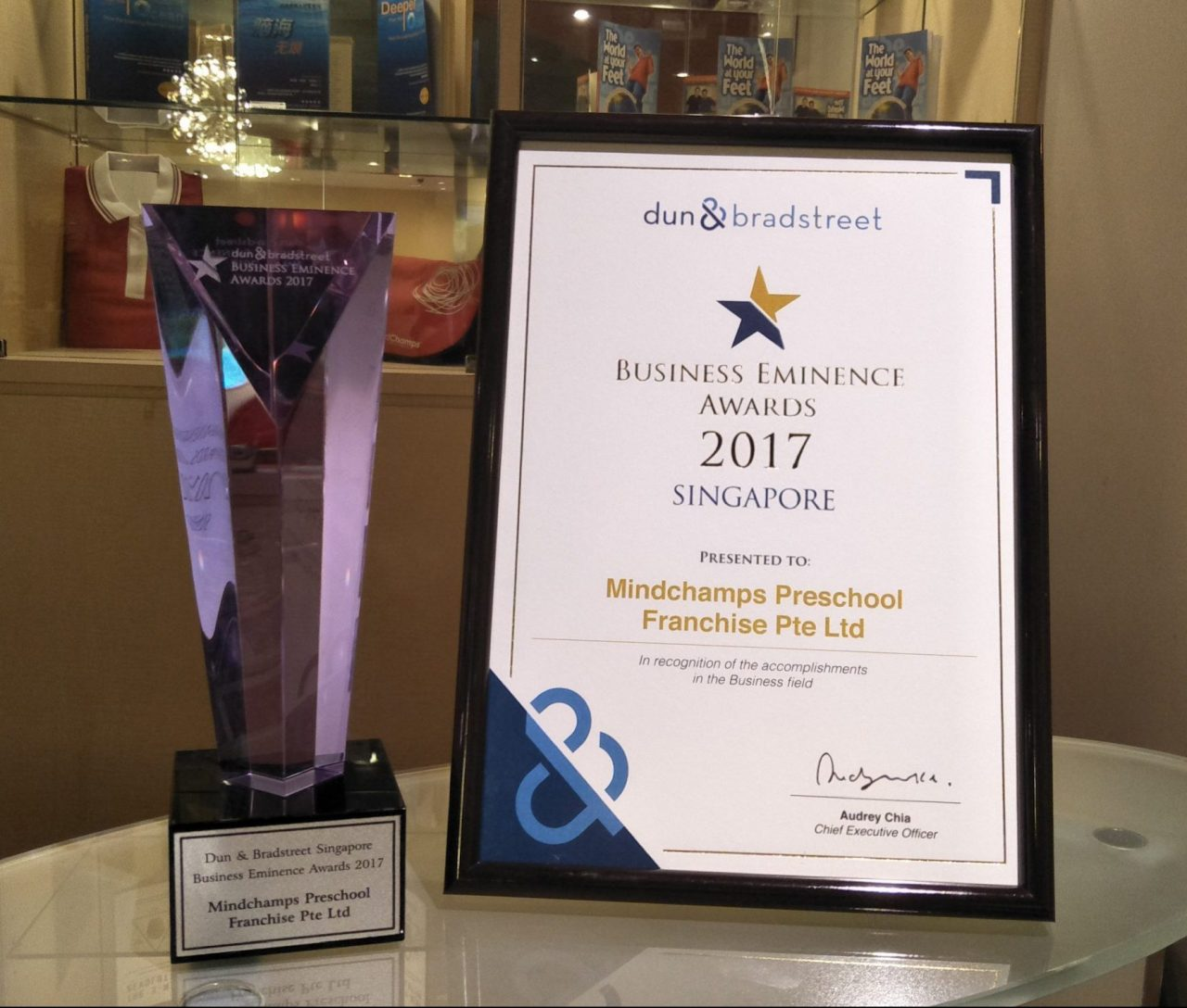 https://s3-ap-southeast-1.amazonaws.com/mindchamps-prod-wp/wp-content/uploads/2017/07/16142154/Business-Eminence-Awards-e1500281177576-1280x1088.jpg
